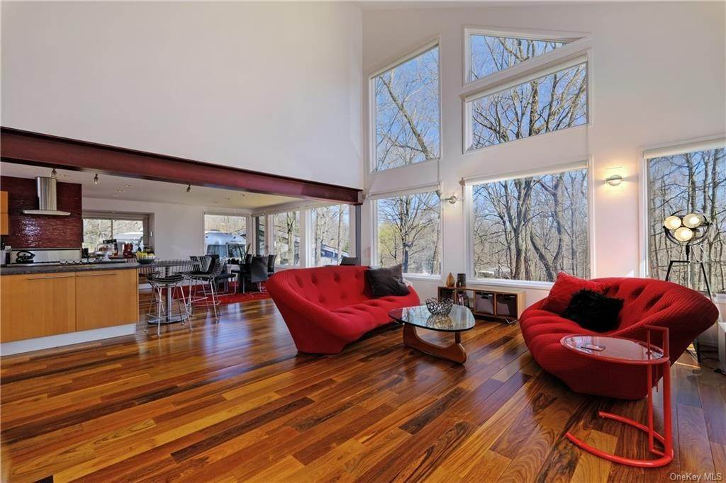 Residential for Sale at 2 Georgia Lane Croton On Hudson, New York 10520 United States