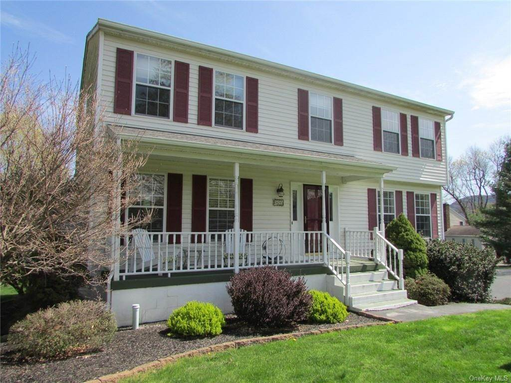Residential للـ Sale في 2 Dover Court Cornwall, New York 12518 United States