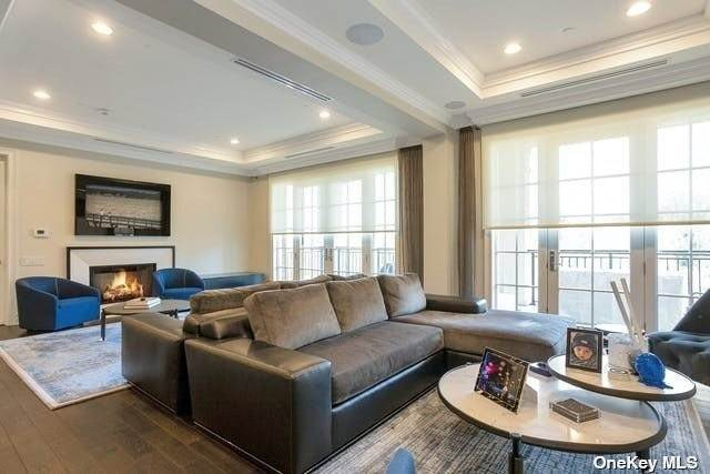 Residential for Sale at 2000 Royal Court # 2202 North Hills, New York 11040 United States