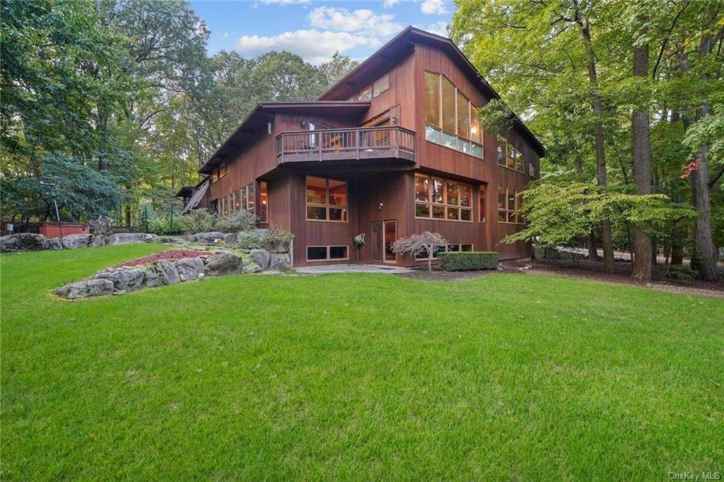 Residential for Sale at 356 Phillips Hill Road New City, New York 10956 United States