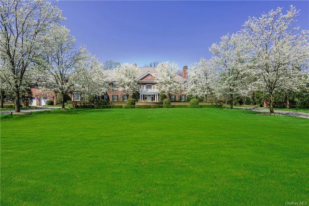 Residential for Sale at 5 Stoneleigh Manor Lane Purchase, New York 10577 United States