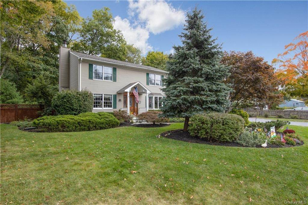 Residential for Sale at 10 Oriole Street, Orangetown, NY 10965 Pearl River, New York 10965 United States