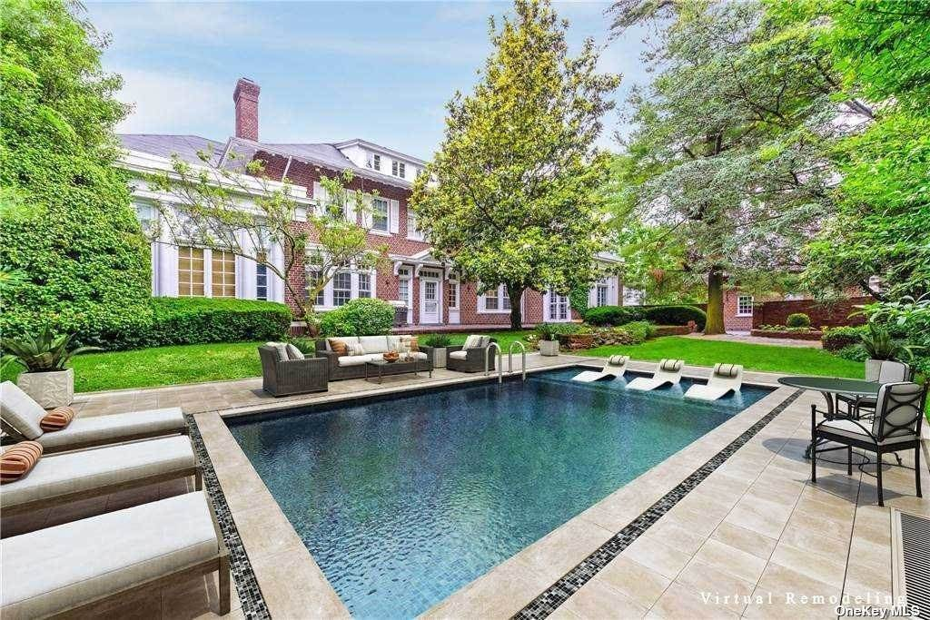 Residential for Sale at 879 Broadway, Woodmere, NY 11598 Woodmere, New York 11598 United States