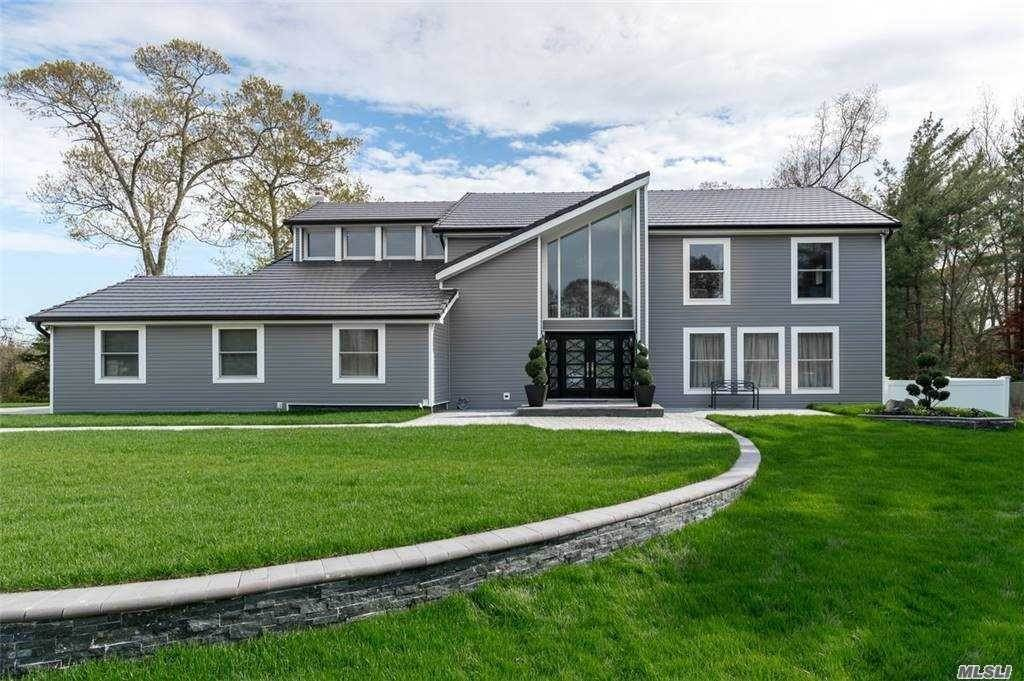 Residential for Sale at 41 Setalcott Place Setauket, New York 11733 United States