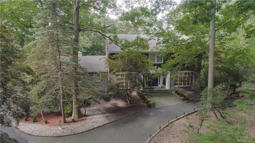 Residential for Sale at 19 Lodge Lane Belle Terre, New York 11777 United States