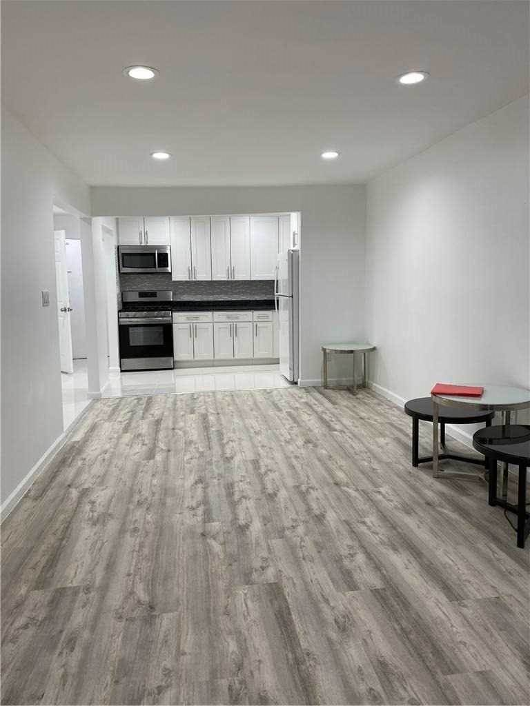 Residential Lease at 34-32 70th Street # 1st Fl, Jackson Heights, NY 11372 Jackson Heights, New York 11372 United States