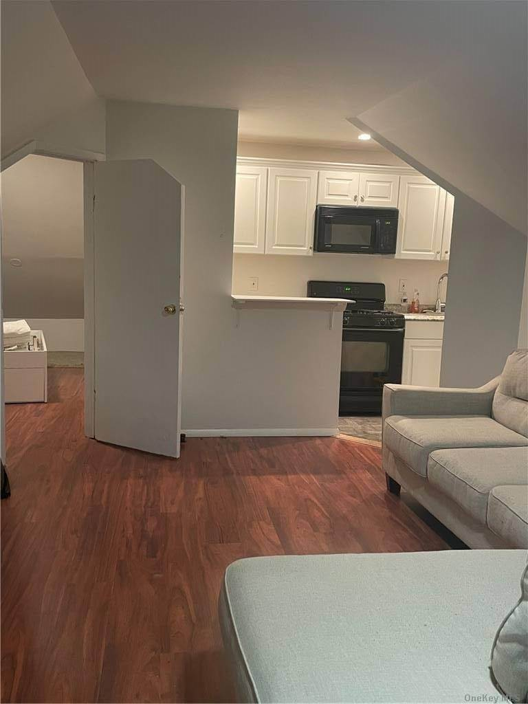Residential Lease الساعة 17 Madison Street # 2 FL, Franklin Square, NY 11010 Franklin Square, New York 11010 United States