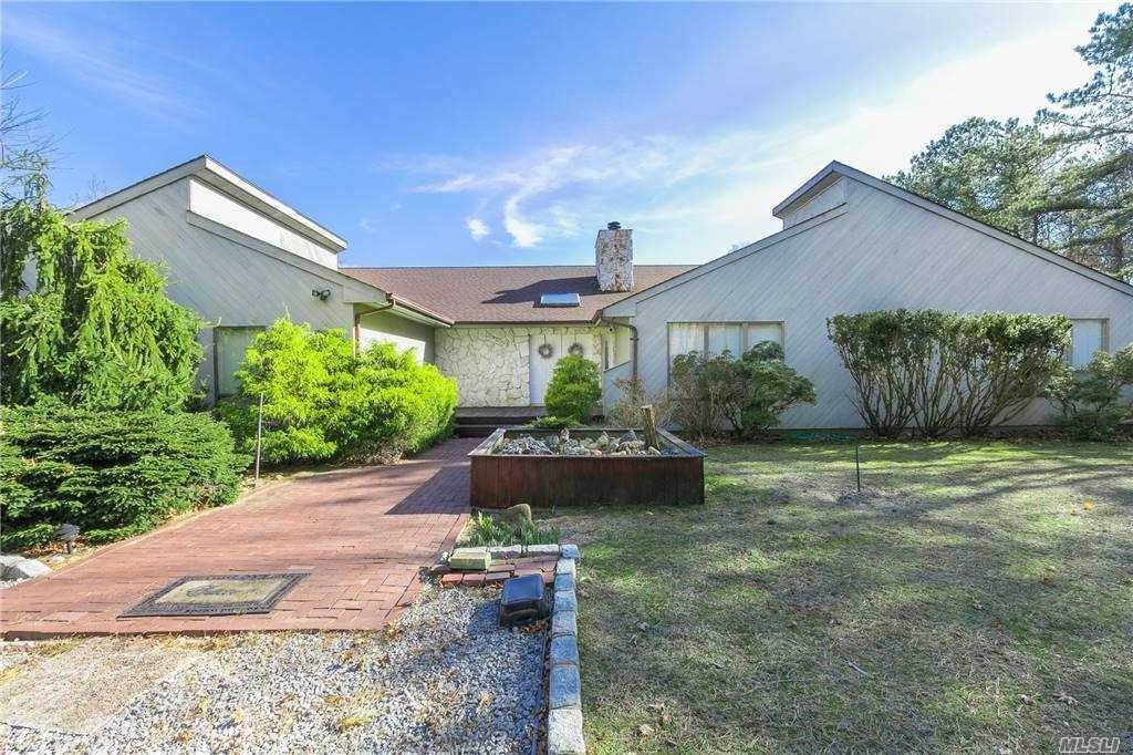 Residential for Sale at 4 Christine Lane Manorville, New York 11949 United States