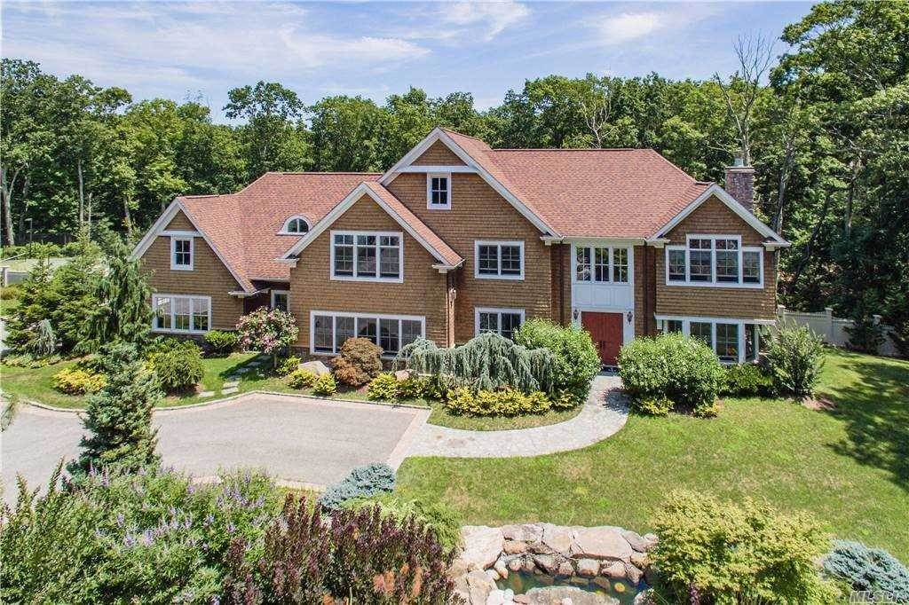 Residential for Sale at 4 The Commons, Cold Spring Hrbr, NY 11724 Cold Spring Harbor, New York 11724 United States