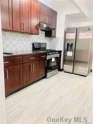 Residential Lease الساعة 31-46 30 Street # 1Fl Astoria, New York 11105 United States