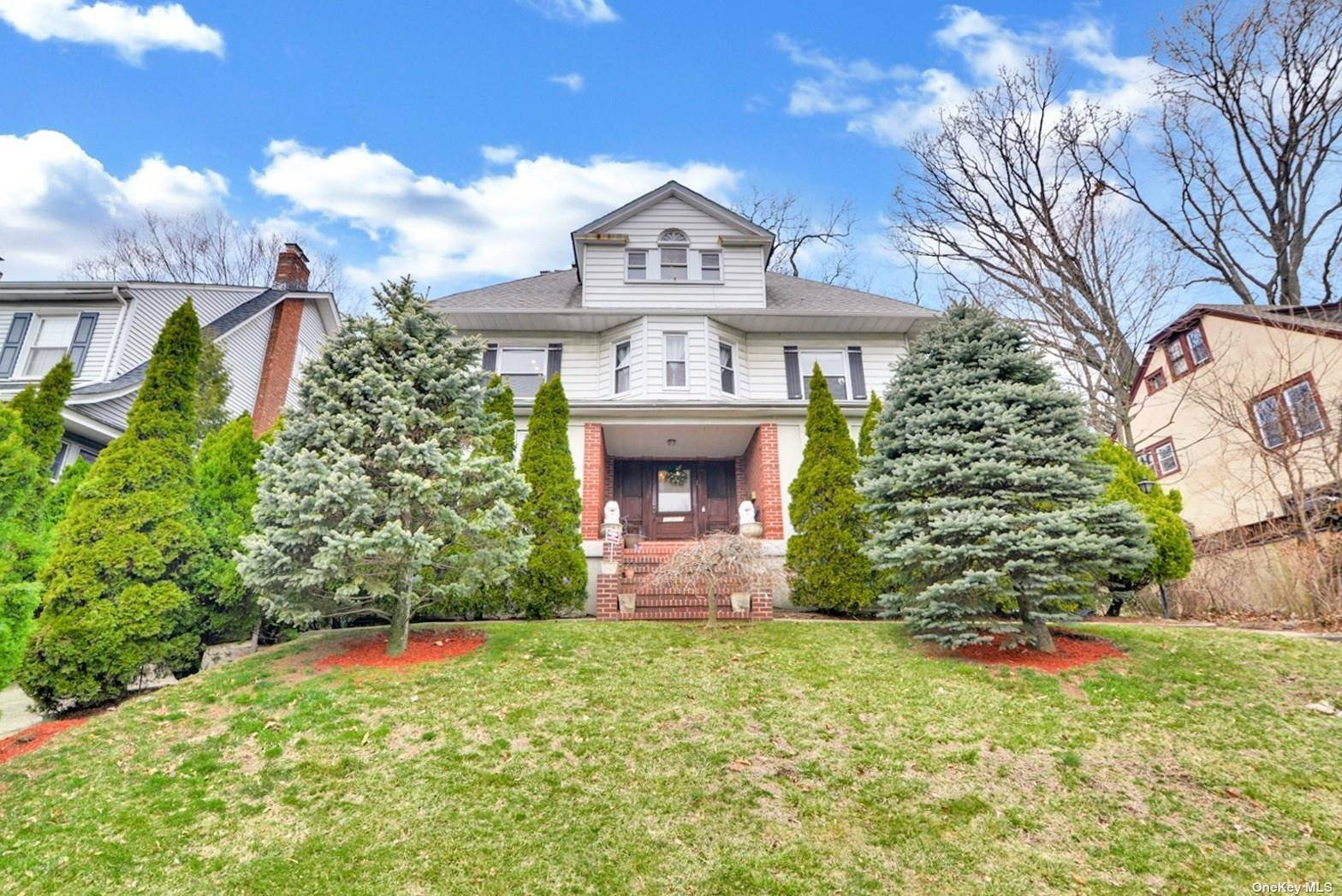 Residential for Sale at 112-15 84th Avenue Richmond Hill, New York 11418 United States