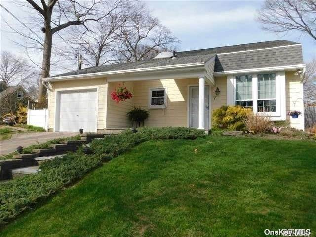 Residential for Sale at 7 Renwick Road Lake Ronkonkoma, New York 11779 United States