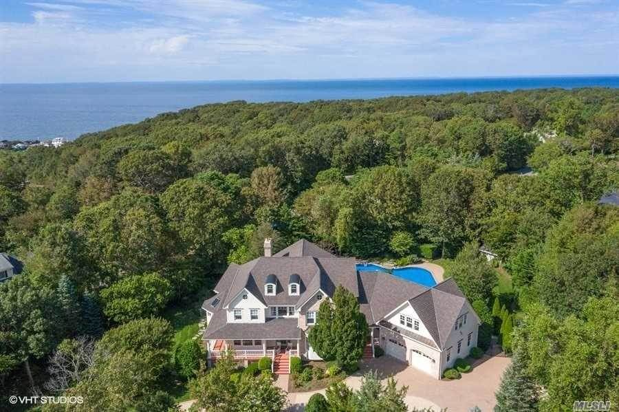 Residential for Sale at 8 Silver Beech Lane, Baiting Hollow, NY 11933 Baiting Hollow, New York 11933 United States
