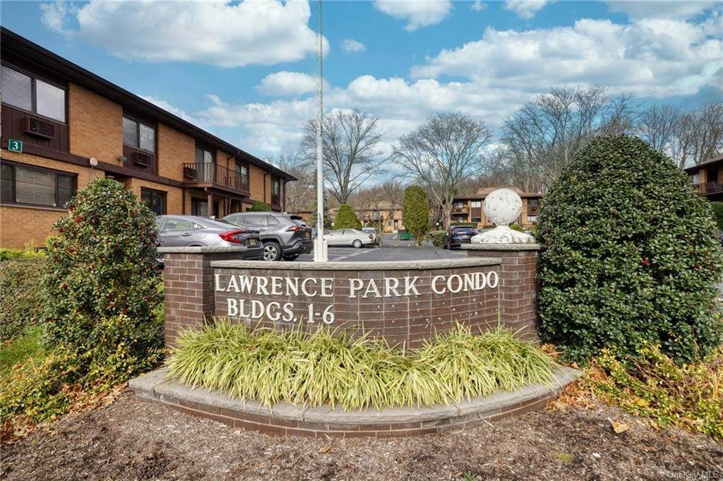 Residential for Sale at 2 W Lawrence Park Drive # 16 Piermont, New York 10968 United States