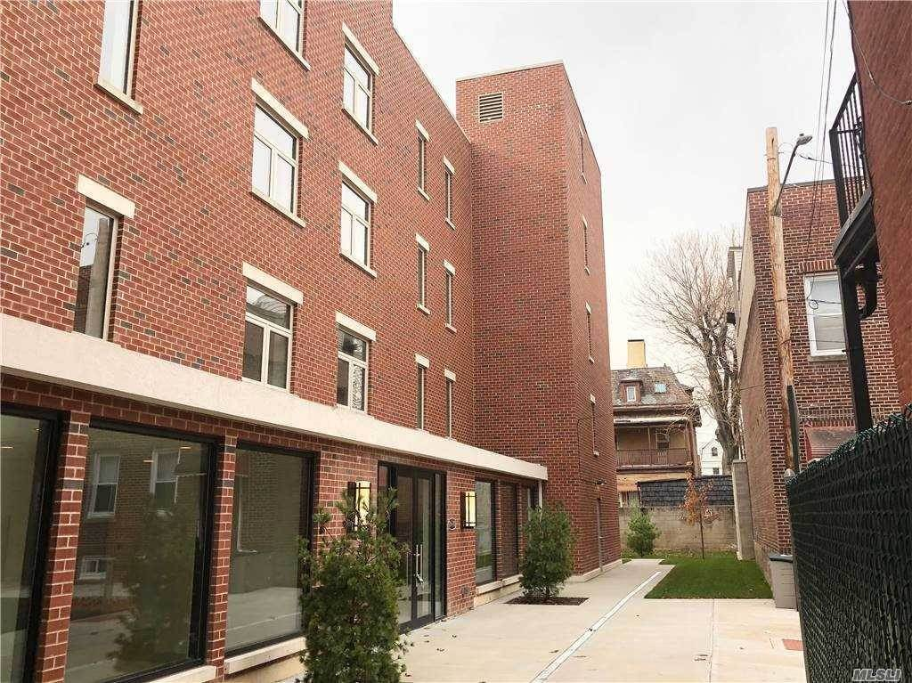 Residential Lease الساعة 26-20 14 Place # 3A Astoria, New York 11102 United States
