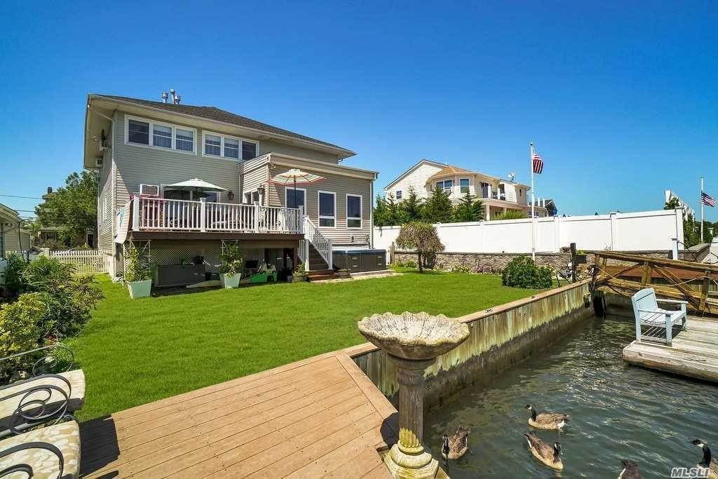 Residential for Sale at 42 S Bay Avenue Amityville, New York 11701 United States