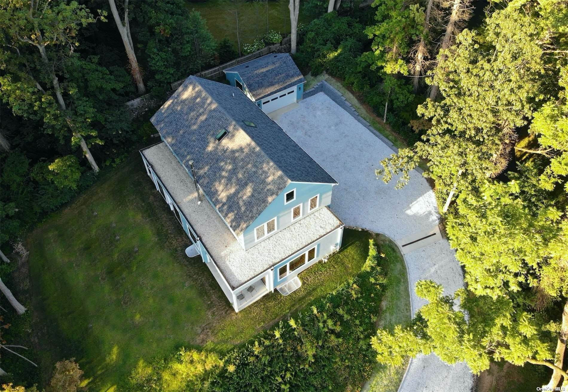 Residential for Sale at 2 Finch Way Sea Cliff, New York 11579 United States