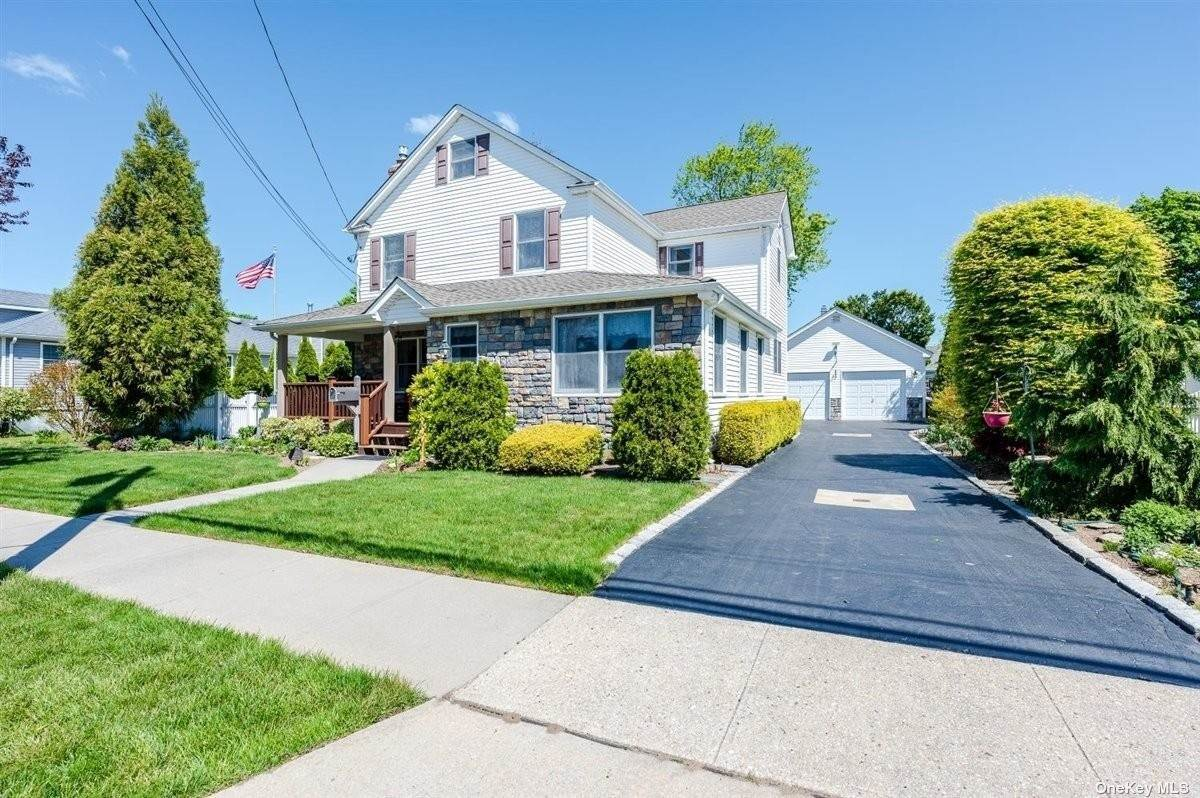 Residential for Sale at 11 Barbara Street Bethpage, New York 11714 United States