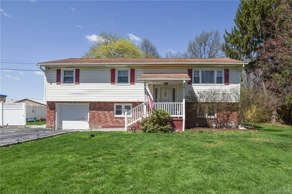 Residential for Sale at 17 Ryerson Road New Hampton, New York 10958 United States