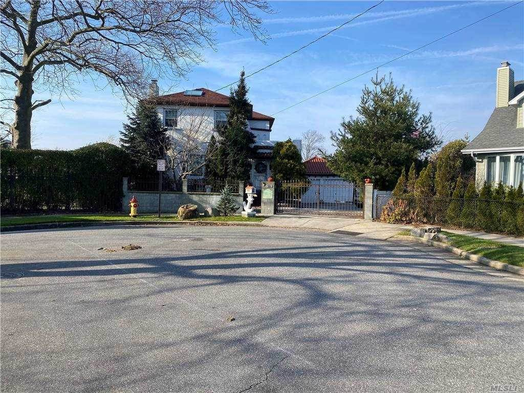 Residential for Sale at 68 W 1st Street Freeport, New York 11520 United States