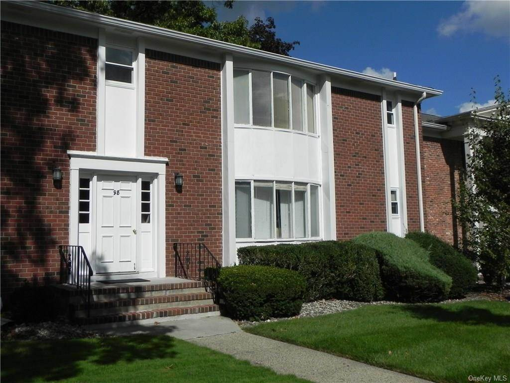Residential Lease الساعة 98 Bon Aire Circle # V12, Ramapo, NY 10901 Suffern, New York 10901 United States