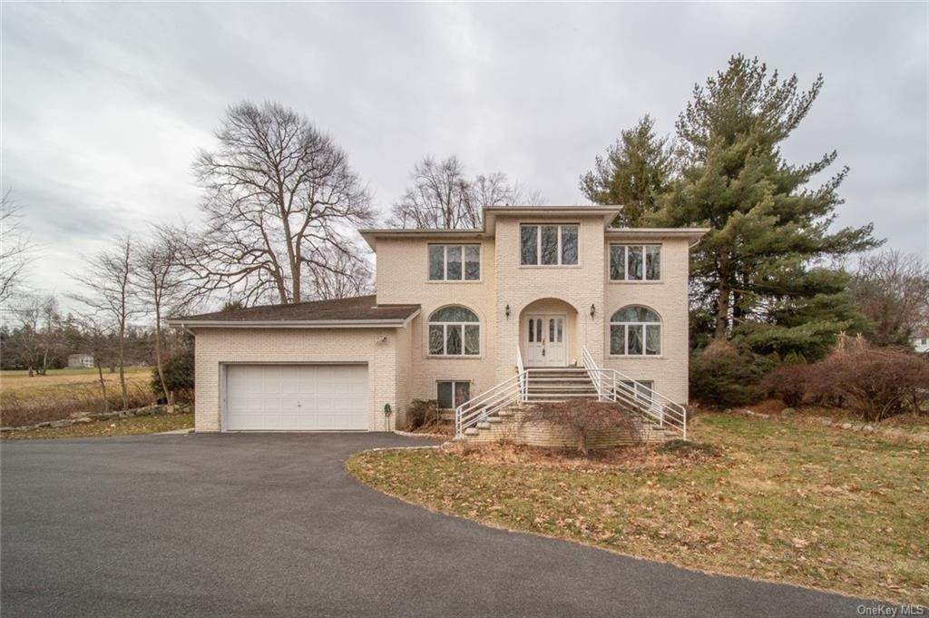 Residential for Sale at 3 Robert Place, Clarkstown, NY 10954 Nanuet, New York 10954 United States
