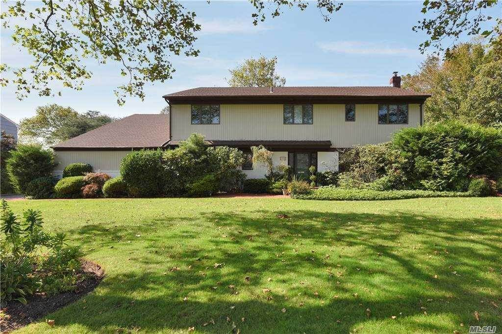 Residential for Sale at 185 Bay Drive, Woodsburgh, NY 11598 Woodsburgh, New York 11598 United States