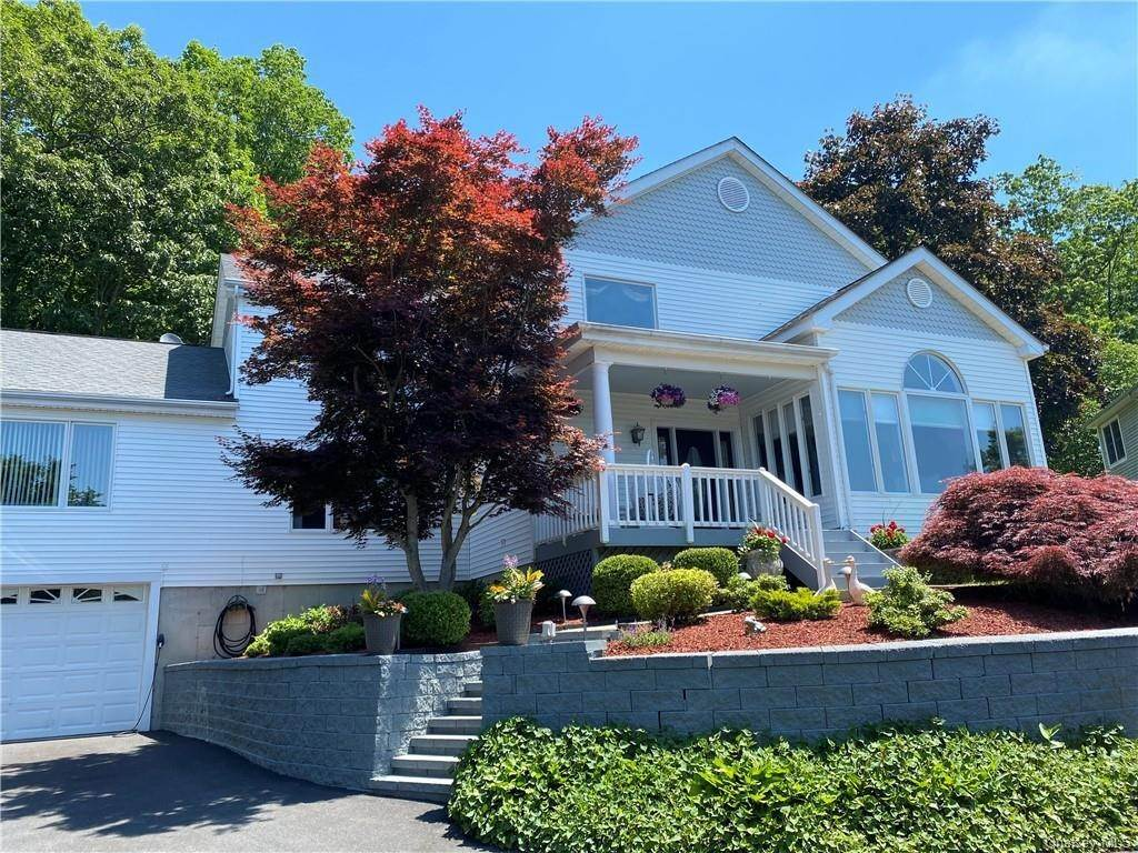 Residential for Sale at 17 Nottingham Way Mahopac, New York 10541 United States