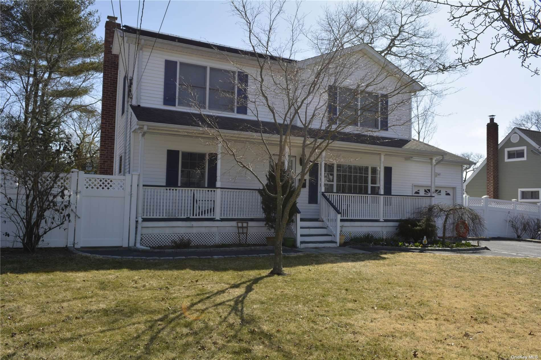 Residential for Sale at 19 Center Street Lake Ronkonkoma, New York 11779 United States