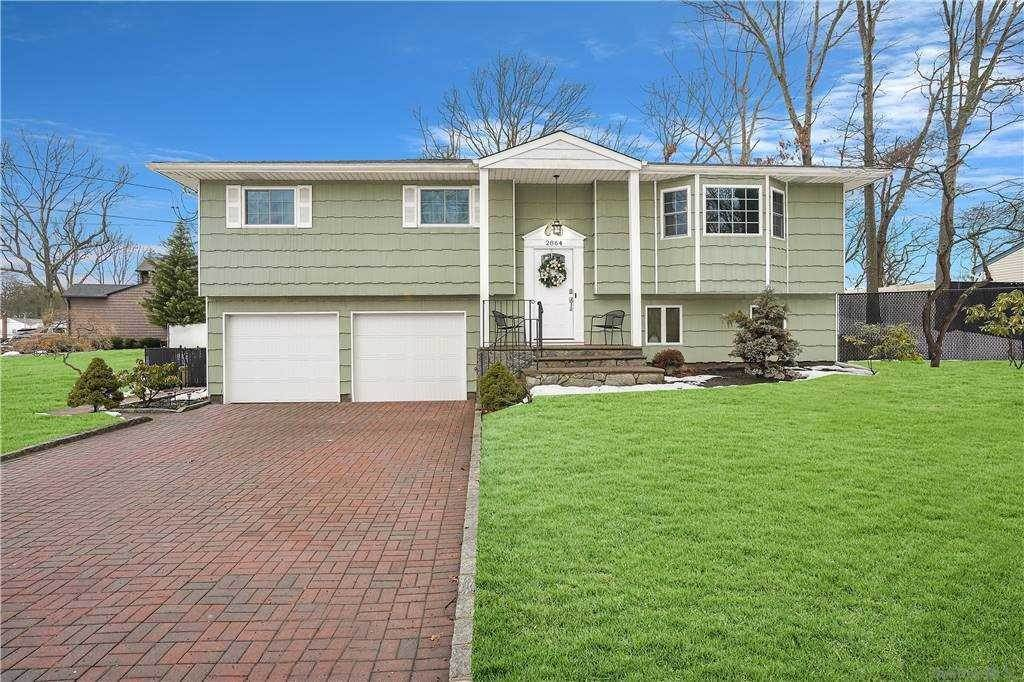 Residential for Sale at 2864 Pond Road Lake Ronkonkoma, New York 11779 United States