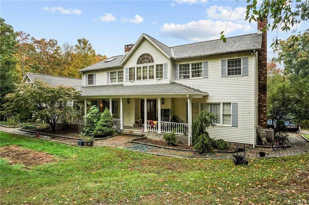 Residential for Sale at 9 Jeanne Court Carmel, New York 10512 United States