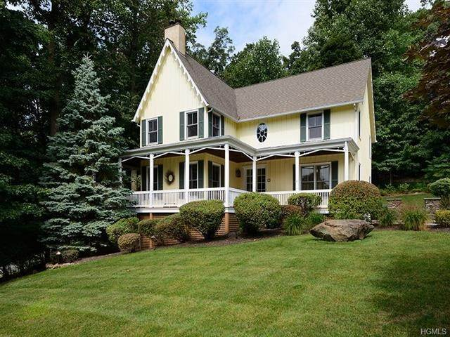 Single Family Homes at 6 Sugarhill Road, Clarkstown, NY 10960 Clarkstown, New York 10960 United States