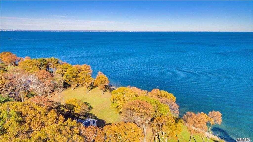 Residential for Sale at 17 Sea Crest Drive, Lloyd Neck, NY 11743 Lloyd Neck, New York 11743 United States