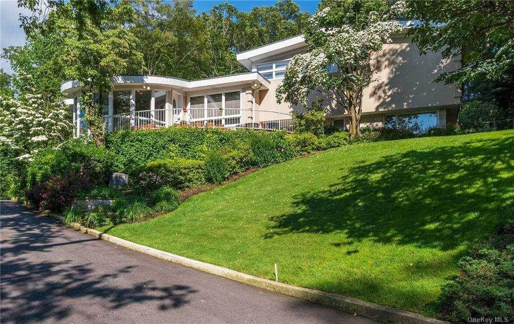 Residential for Sale at 245 Chestnut Drive, East Hills, NY 11576 East Hills, New York 11576 United States