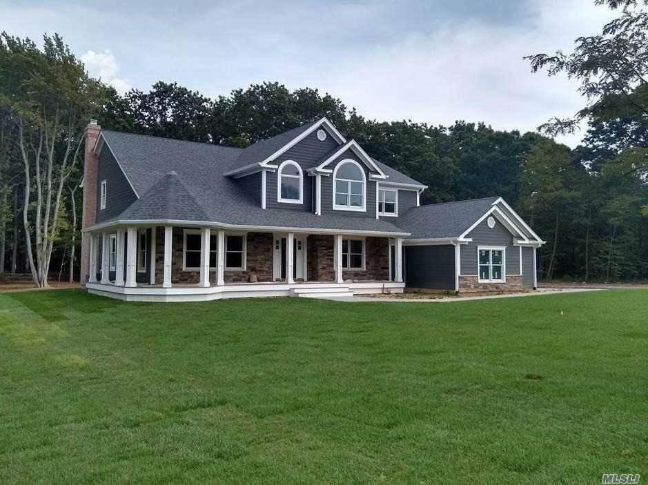 Residential for Sale at 5 Ashley Court Northport, New York 11768 United States