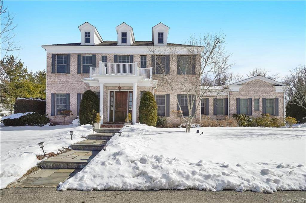 Residential for Sale at 35 Cherry Lawn Boulevard New Rochelle, New York 10804 United States