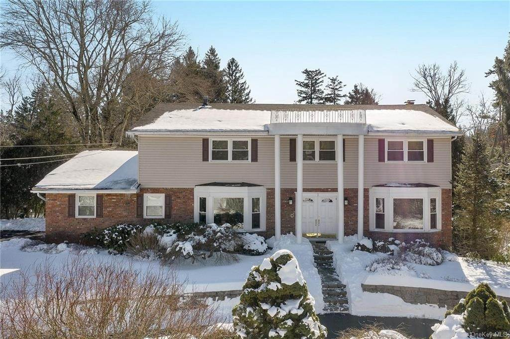Residential for Sale at 2 Aberdeen Drive West Nyack, New York 10994 United States