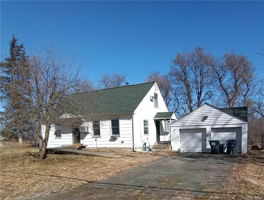 Residential for Sale at 30 Oil City Road Pine Island, New York 10969 United States