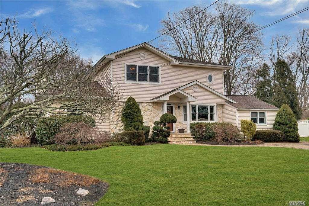 Residential for Sale at 10 Geneva Place Greenlawn, New York 11740 United States