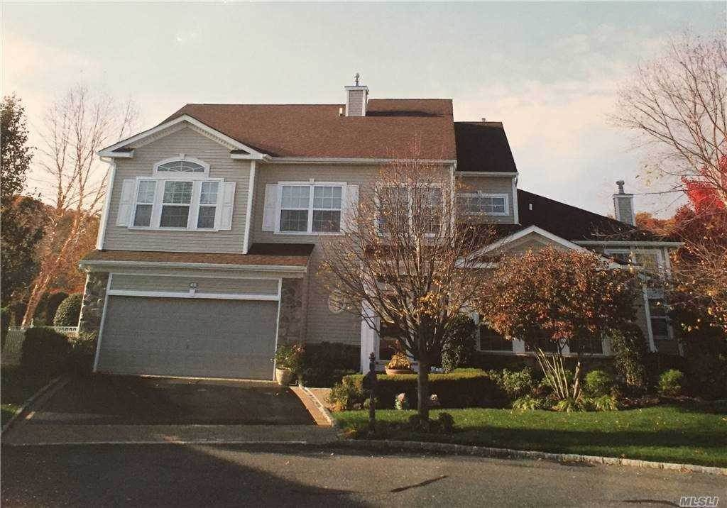 Residential for Sale at 2 Pine Valley Court, Mt. Sinai, NY 11766 Mount Sinai, New York 11766 United States