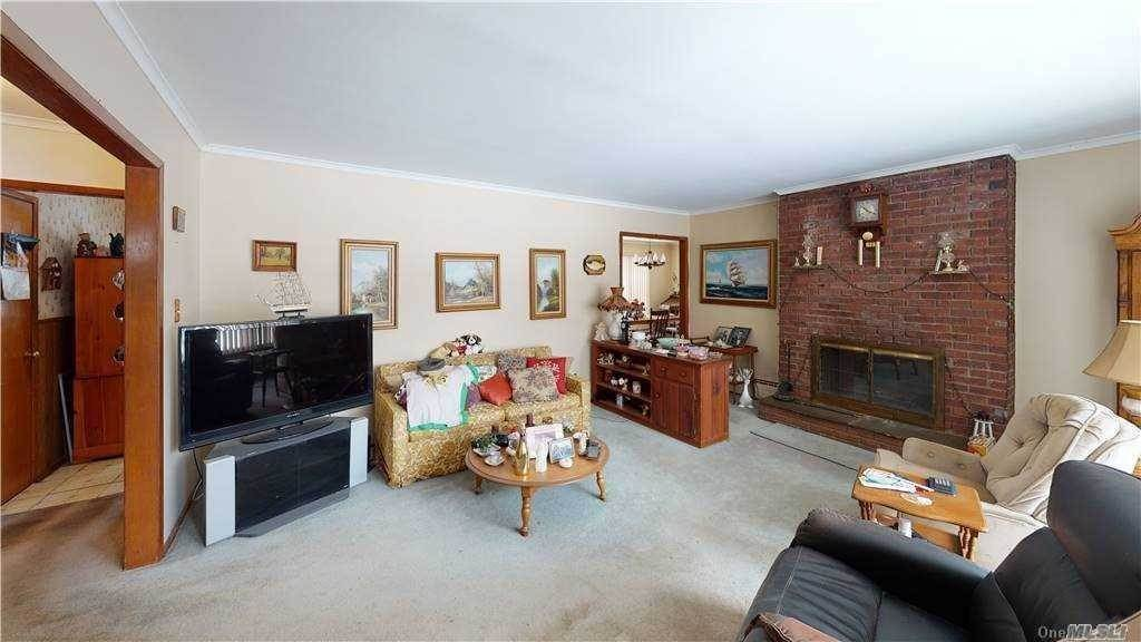 Residential for Sale at 65 Virginia Avenue Ronkonkoma, New York 11779 United States