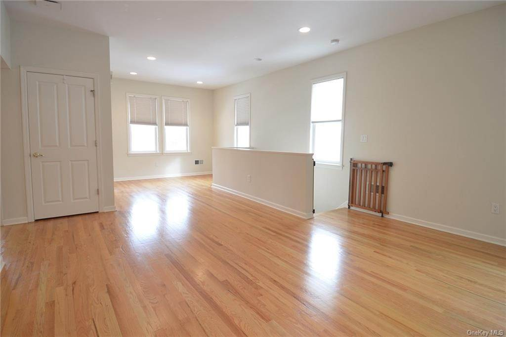 Residential Lease الساعة 69 Murray Avenue # 2nd Fl, Mamaroneck, NY 10538 Larchmont, New York 10538 United States