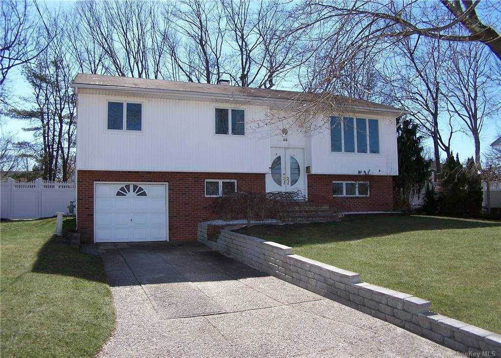 Residential for Sale at 33 Topaz Drive Lake Ronkonkoma, New York 11779 United States
