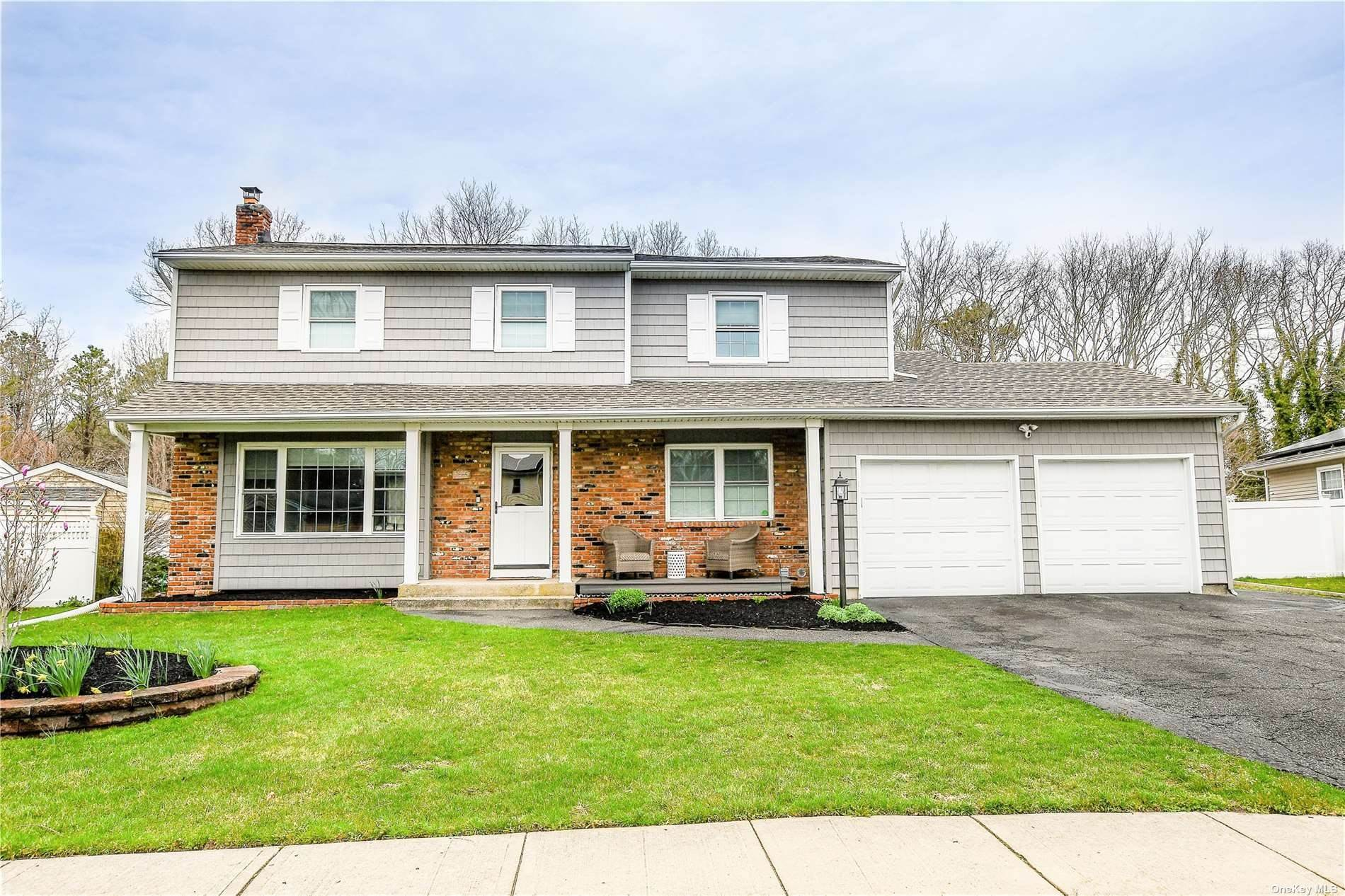 Residential for Sale at 310 Singingwood Drive Holbrook, New York 11741 United States