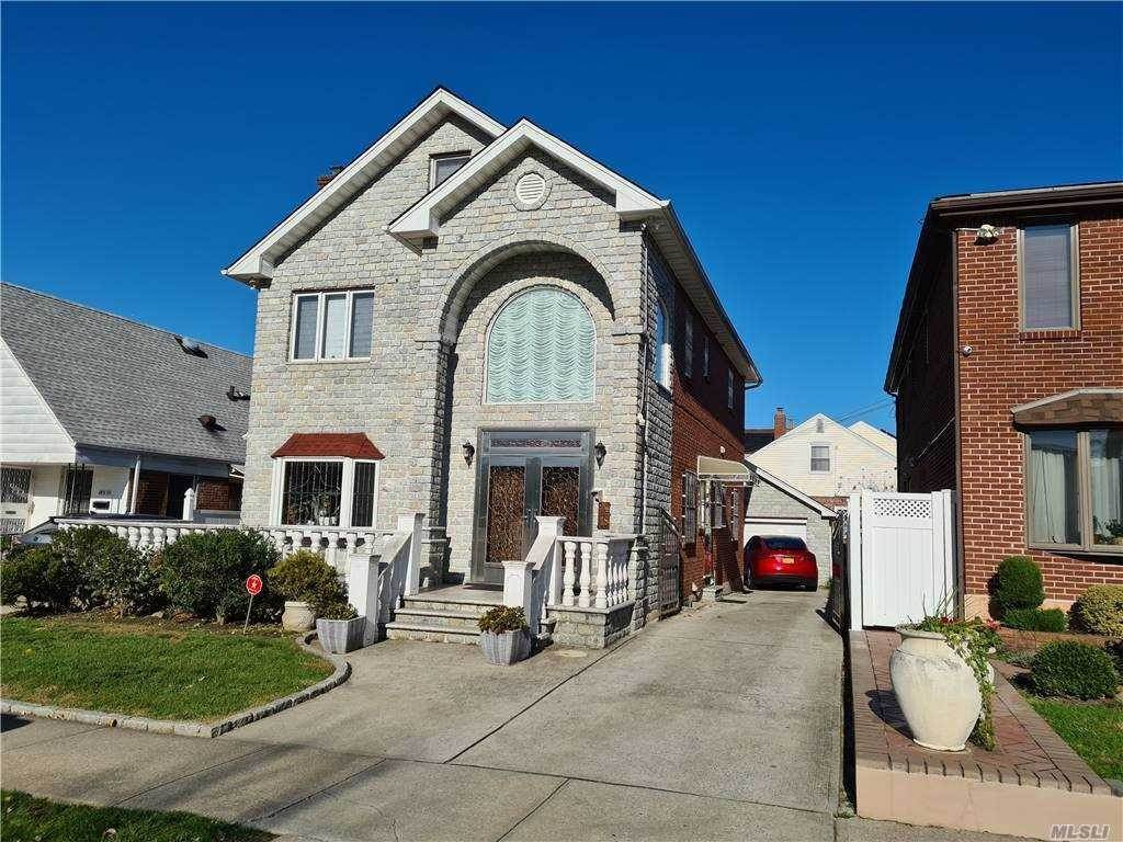 Residential for Sale at 183-15 69 Avenue, Fresh Meadows, NY 11365 Fresh Meadows, New York 11365 United States