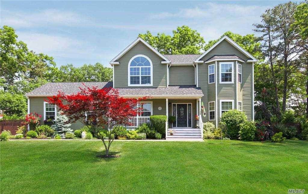 Residential for Sale at 3 Tsmis Court, Ridge, NY 11961 Ridge, New York 11961 United States