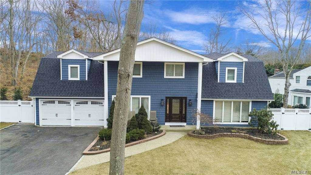 Residential for Sale at 3 Beverly Road, Commack, NY 11725 Commack, New York 11725 United States