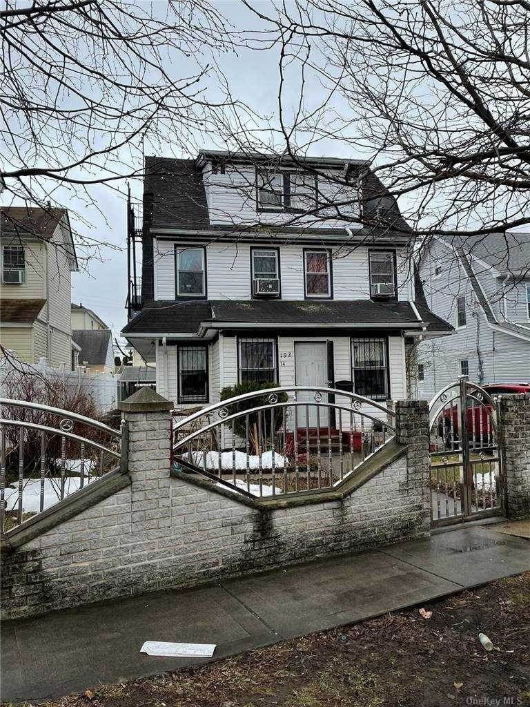 Residential Income for Sale at 192-14 109th Avenue St. Albans, New York 11412 United States