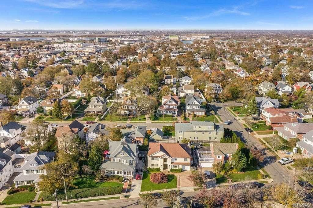 Residential for Sale at 344 Atlantic Avenue, Cedarhurst, NY 11516 Cedarhurst, New York 11516 United States
