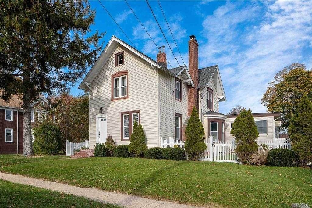 Residential Lease الساعة 154 S High Street Lindenhurst, New York 11757 United States